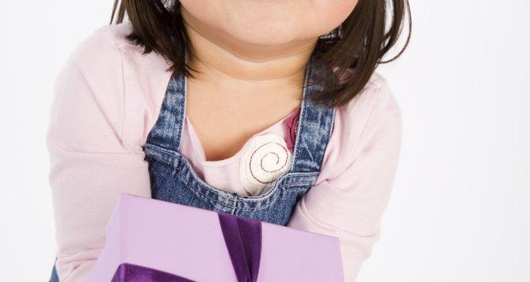 Através do ensinamento, as crianças se tornarão adultos generosos