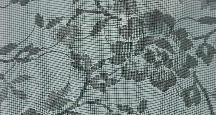 As fibras dos sofás oferecem um habitat seguro e aquecido para determinados insetos