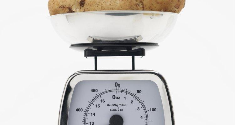 Repite el proceso hasta obtener la cantidad de papas cortadas que necesites.