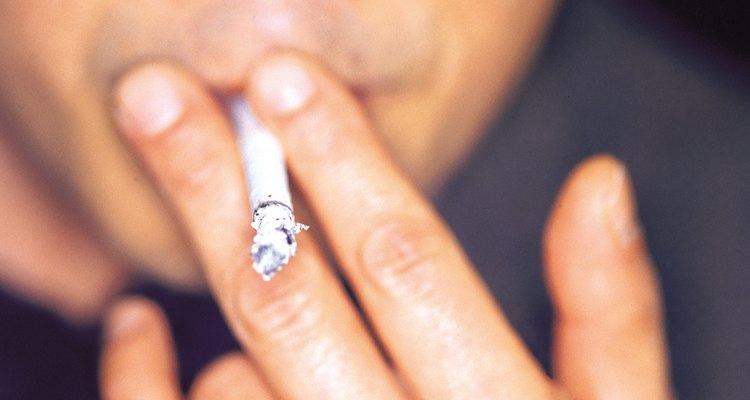 Fumar cigarrillos puede dañar tu salud y tu hogar.