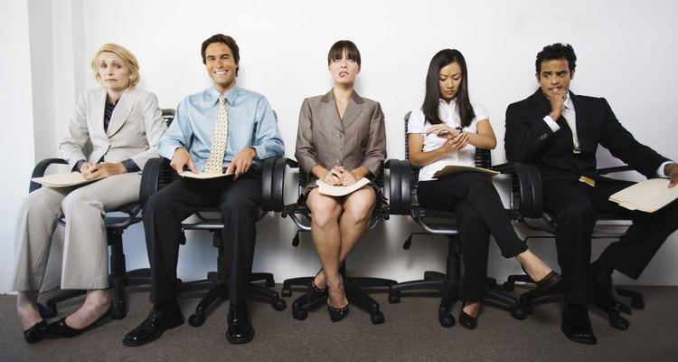O currículo cronológico e o funcional são ferramentas-chave para chamar a atenção de um empregador em processo de seleção