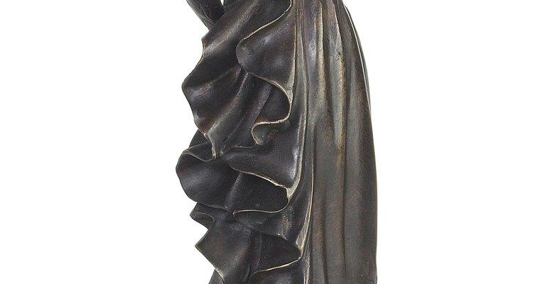 A fines de 1800, las mujeres usaban faldas que se abultaban en la parte de atrás.