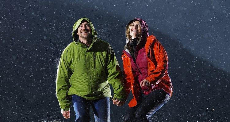 Las chaquetas impermeables requieren un cuidado especial para mantenerse limpias.