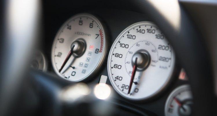 Um velocímetro funcionando pode salvar você de uma multa