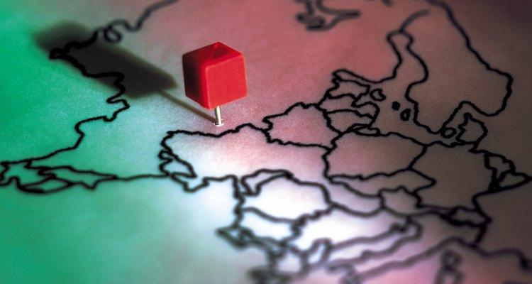 Como nos mapas reais, o Google Maps indica locais usando marcadores coloridos de pino
