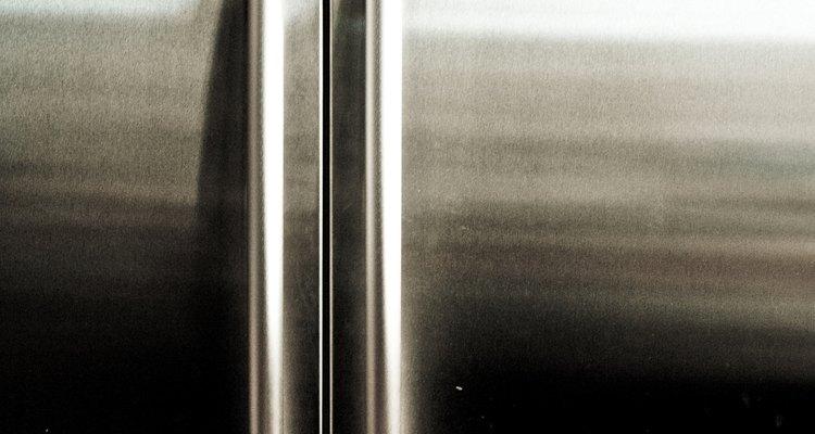 Arrume um vazamento em sua geladeira