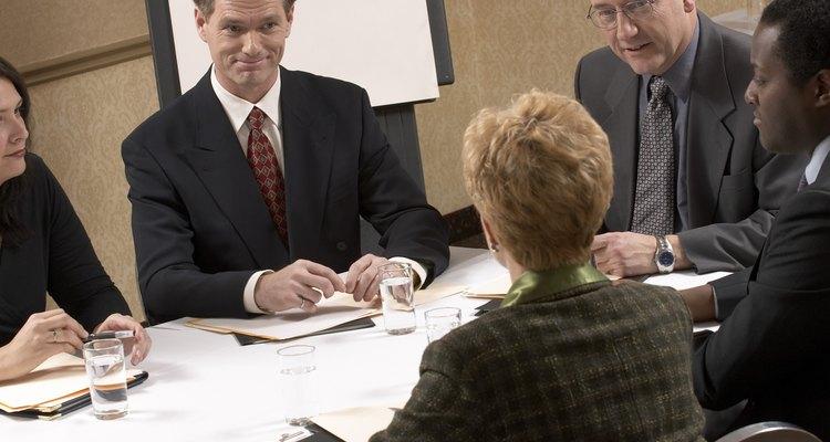 Las tomas de decisiones operativas y táctica juegan papeles clave en el planeamiento.