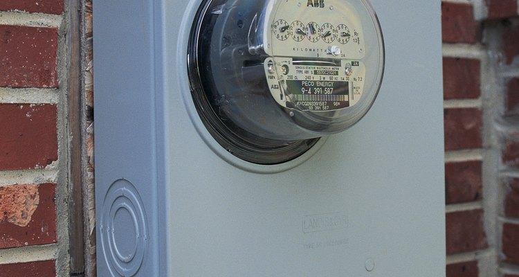 Quitar el medidor eléctrico es trabajo para la empresa de servicios públicos o un electricista.