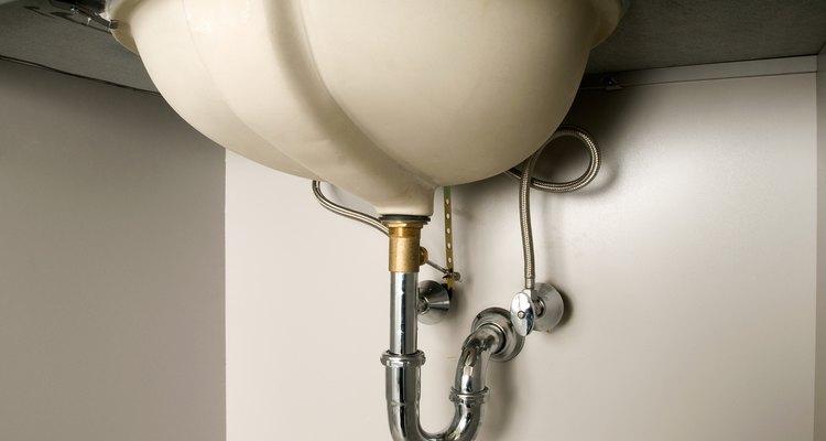 La mayor parte del tiempo, la tubería de desagüe y la trampa p están alineados.