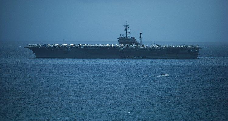 Servir en un buque de superficie es sólo una función que realiza un marinero.
