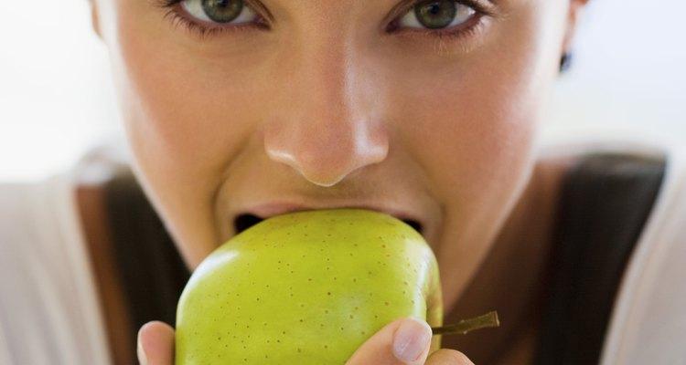 Las manzanas producen reacciones alérgicas en un porcentaje relativamente pequeño de personas.
