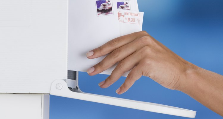 Si escribes de manera adecuada la dirección en los sobres, esto ayudará a que sea entregado con mayor rapidez.