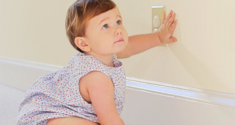 Hacer una casa un hogar para un bebé significa que sea segura.
