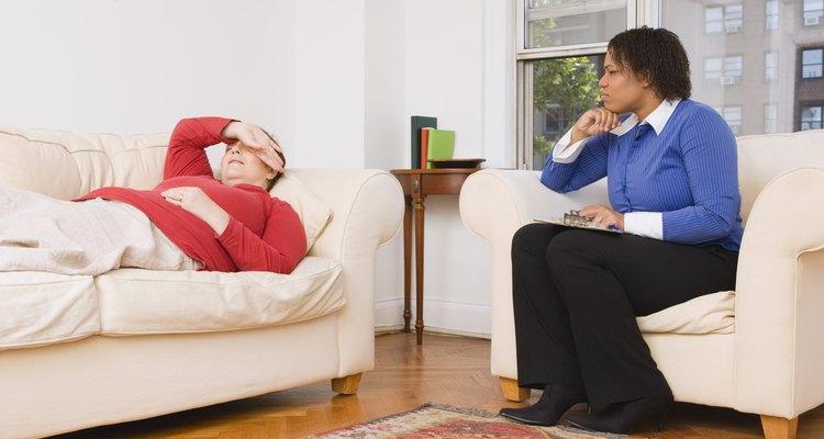 Psicólogos homens e mulhers devem oferecer um posicionamento confortável ao paciente
