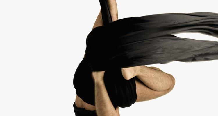 O tecido de trapezista é usado em performances de circos e teatros