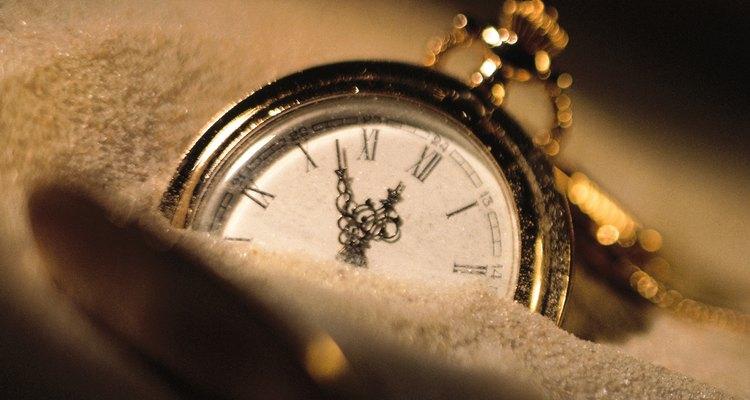Se seu relógio apresenta umidade embaixo do vidro, leve-o a um especialista