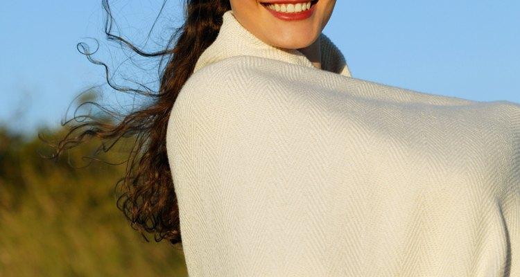 Deixar crescer a linha limite do cabelo exige iniciar bons hábitos