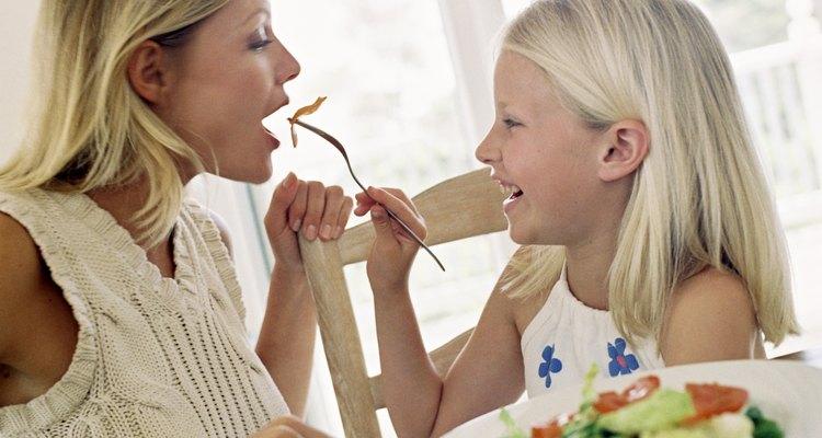 Equilibre os alimentos que sejam do gosto da criança