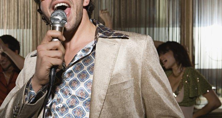 El karaoke es un clásico de los cumpleaños.