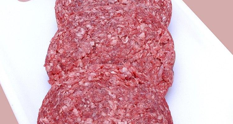 Boa carne de hambúrguer é geralmente 80% magra, com 20% de gordura