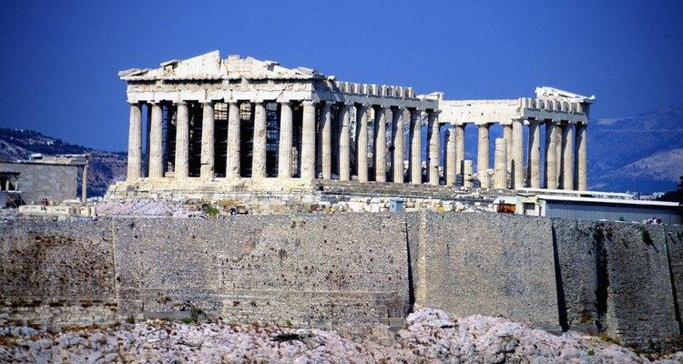 La arquitectura griega se inspira más en el idealismo que en el realismo.