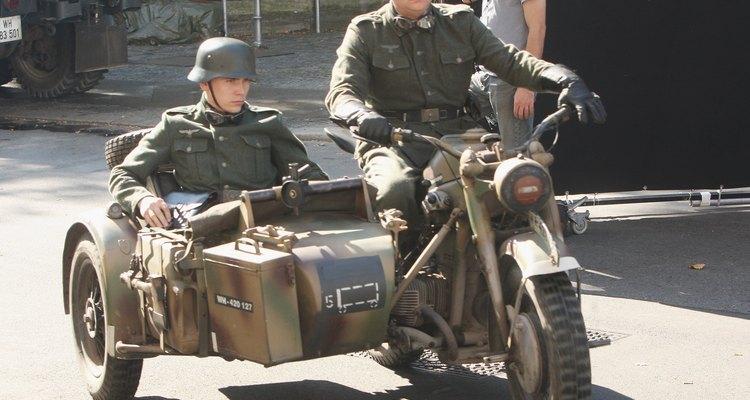 Algumas motocicletas alemãs da Segunda Guerra contavam com um sidecar acoplado ao veículo
