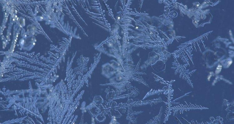 Los enfriadores ayudan a mantener las pistas congeladas cuando las temperaturas se elevan.