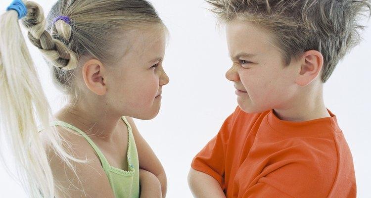 No intentes razonar con niños mientras están enfurecidos porque, como los adultos, no pueden pensar de manera racional.