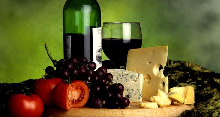 El queso es el complemento ideal para el vino.