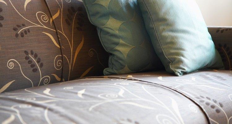 El bicarbonato de sodio remueve olores y manchas de tu tapicería.