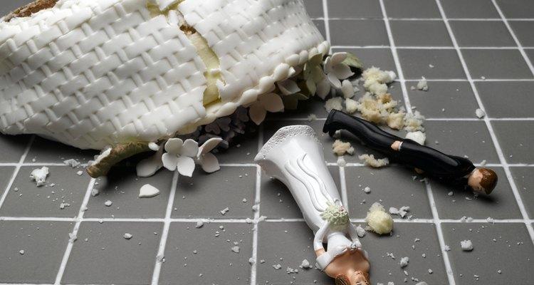 Un divorcio a menudo deja a ambas partes sintiendose rotos.