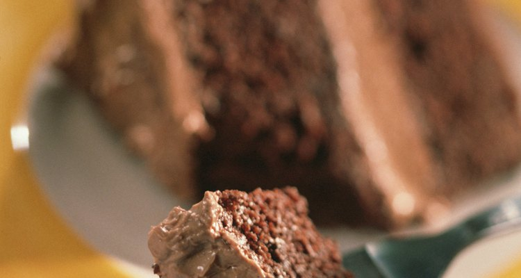 La crema ácida contrarresta la dulzura de las mezclas para tortas.