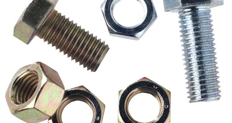 Existen muchos tipos diferentes de tornillos.