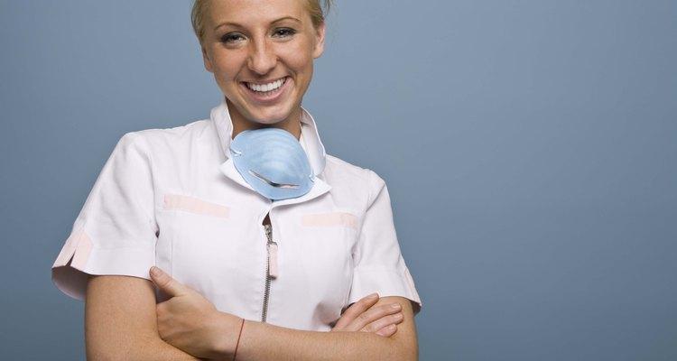Ligue para seu dentista caso o gosto salgado seja acompanhado de febre ou dor muito forte