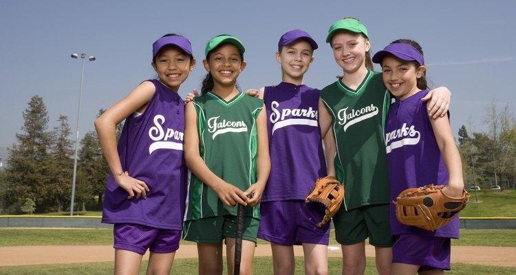 La interacción social en deportes organizados también aumenta el desarrollo social.
