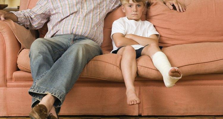 Um sofá quebrado normalmente ficará frouxo no meio