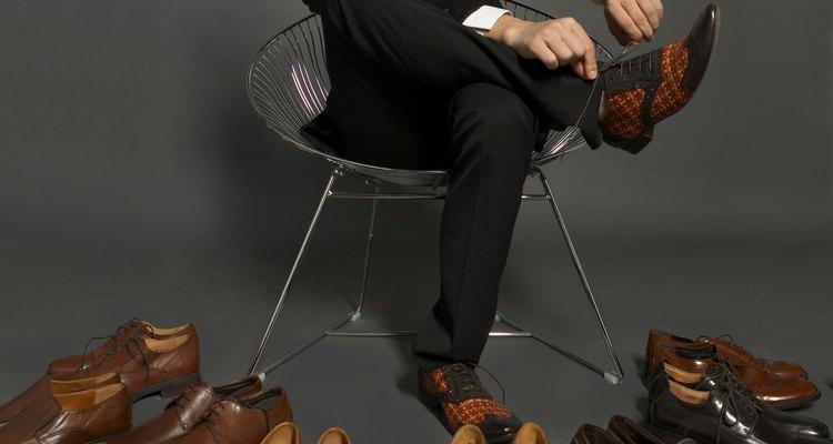 Não é necessário ter vários pares de sapatos por conta das rugas no couro, elas podem ser removidas