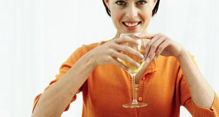 Escoge el vino perfecto para combinarlo con tu lasaña de pollo con salsa blanca.