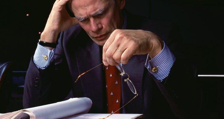 Muchos economistas titulados con un máster buscan carreras en los negocios.