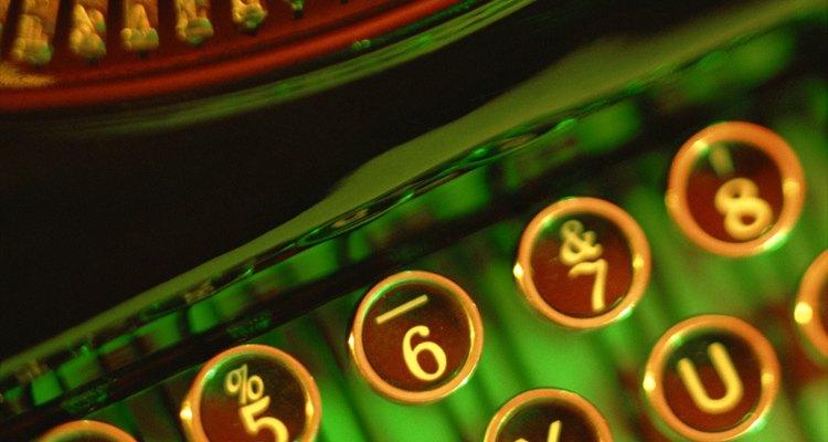 Máquinas de escrever são máquinas precisas que exigem manuntenção apropriada e reparo