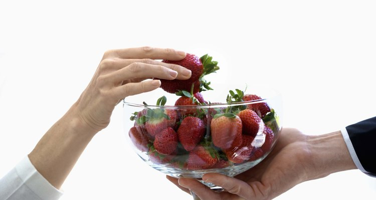 Las frutas de baja acidez combinan bien con la champaña dulce.