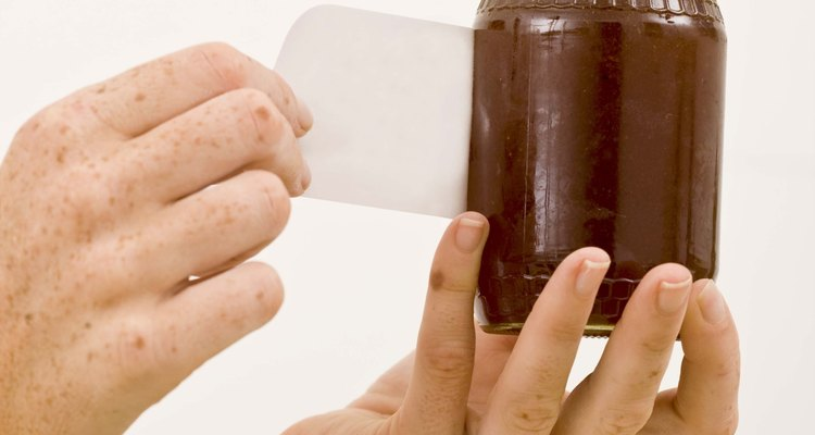 Removendo adesivos de vidros com facilidade
