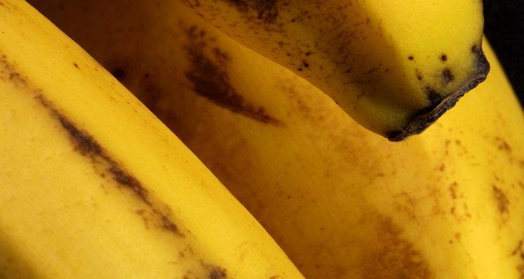 Para que las rodajas deshidratadas sean más dulces, la piel debería presentar pecas marrones antes de deshidratarlas.