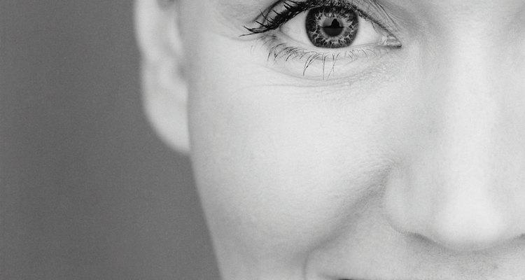 A pupila é o ponto preto no meio da íris