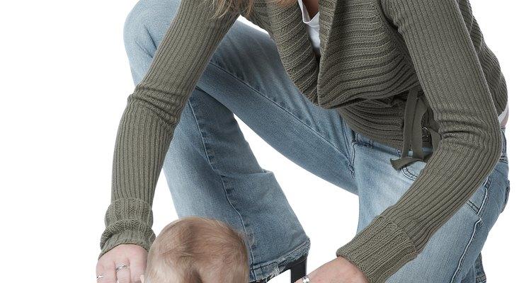 El desarrollo de los músculos del brazo permite a los bebés gatear.