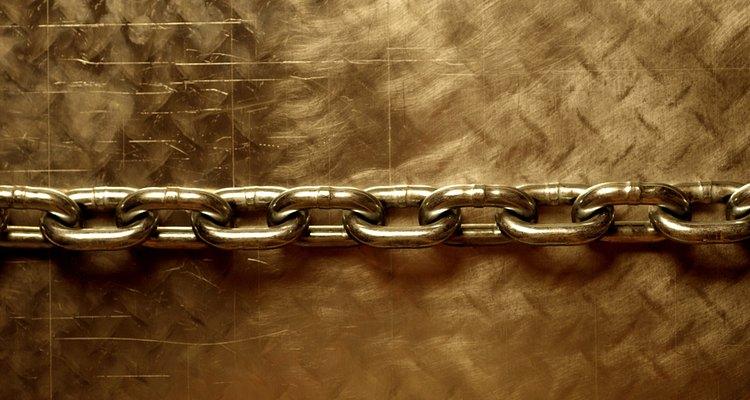 La cadena de argolla marinera se compone de delicados eslabones.