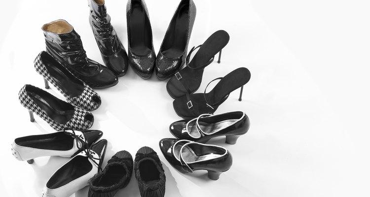 Os sapatos podem desbotar quando colocados ao sol