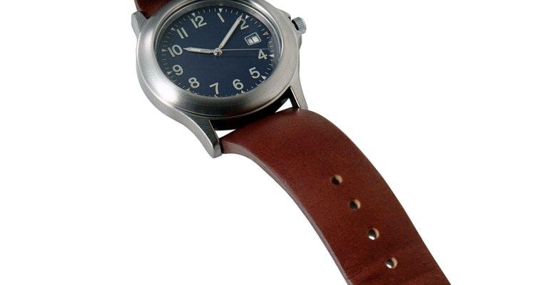Pulseira de couro de jacaré é artigo de luxo nos relógios.