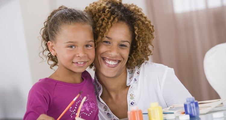 Tintas solúveis em água e não-tóxicas podem entreter sua menina por horas e até anos