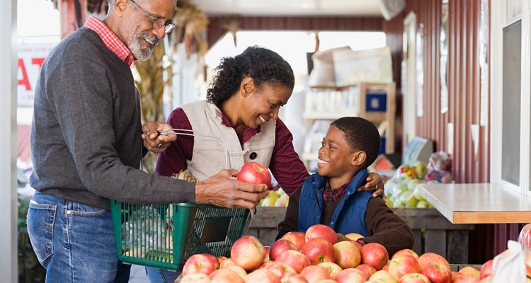 Manzanas a la venta en un mercado.